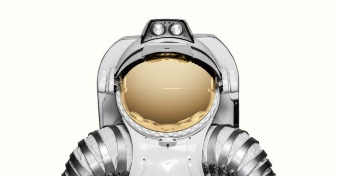 ff_space_spacesuit_2400_2